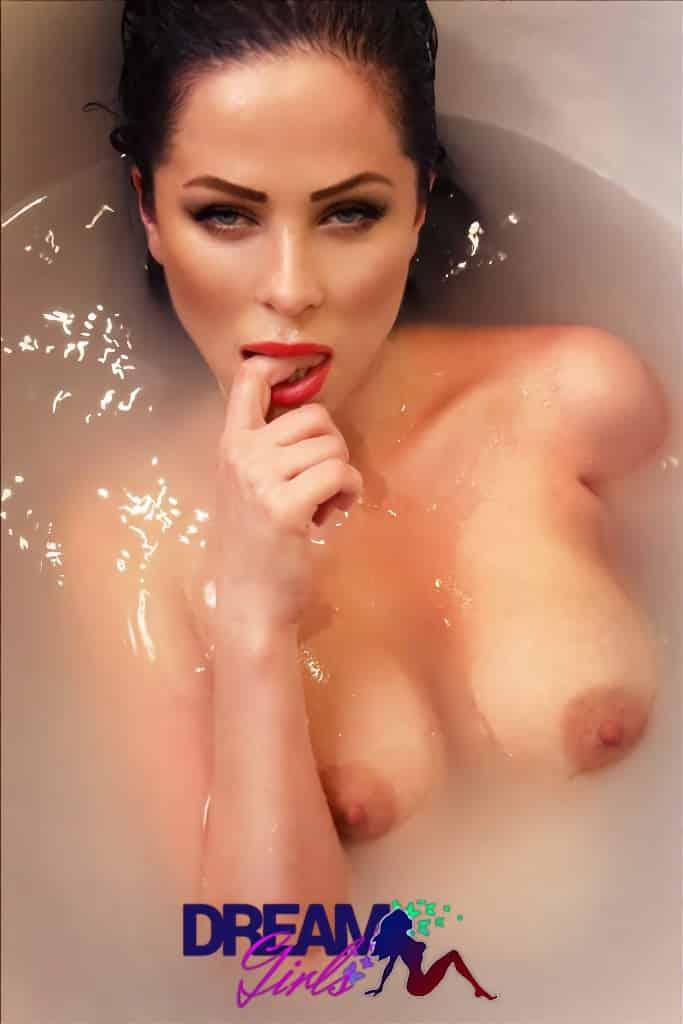 Jessika vizouvios boobs athens escort