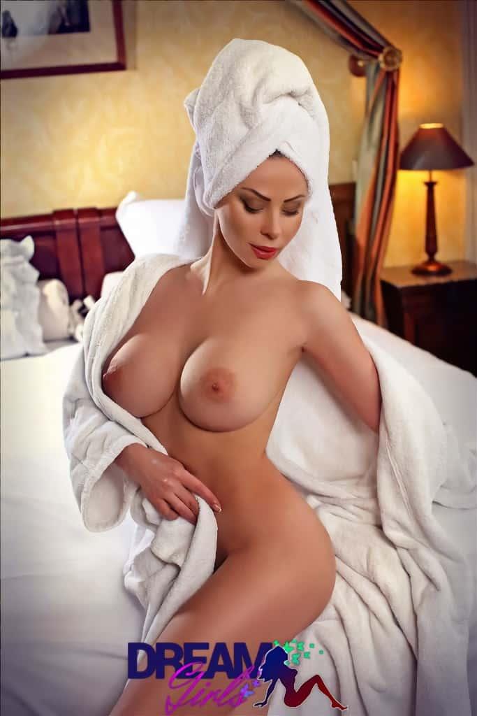 vizouvios big boobs athens escort